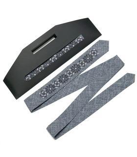 Вишита вузька краватка 754
