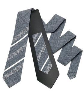 Вышитый галстук 756