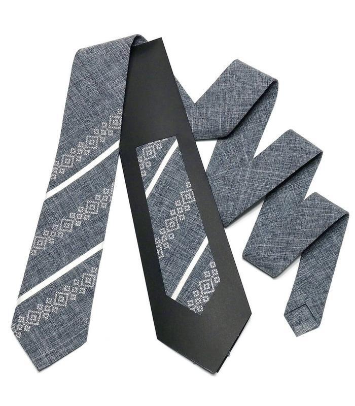 Вышитый галстук (755-759)