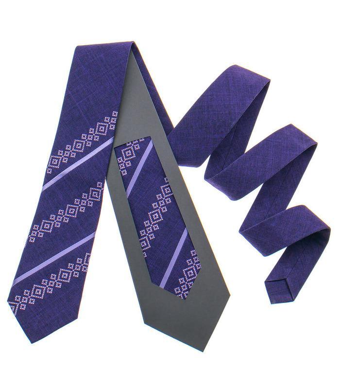 Вышитый галстук 797