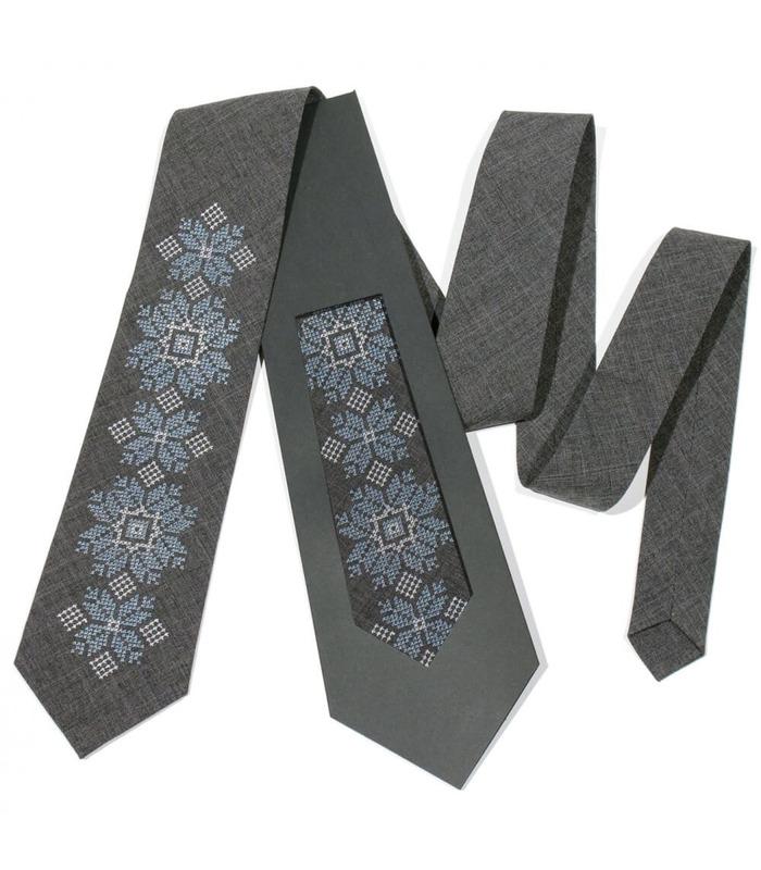 Галстук ᐉ Вышитый галстук темно-серого цвета 680, костюмная ткань ※ Украина