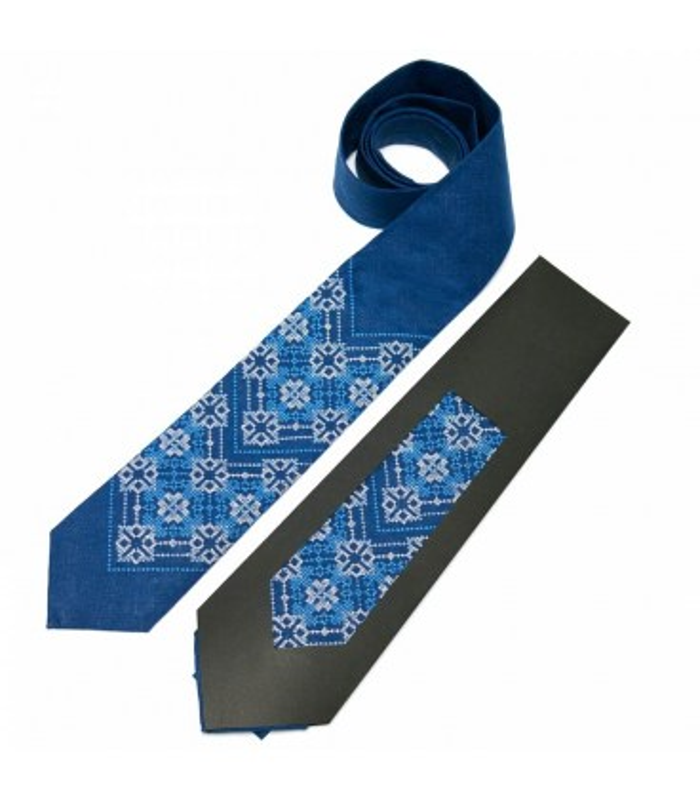 Галстук ᐉ Вышитый галстук синего цвета 676, натуральный лен ※ Украина