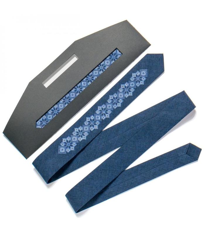 Галстук ᐉ Вышитый галстук синего цвета 720, костюмная ткань ※ Украина