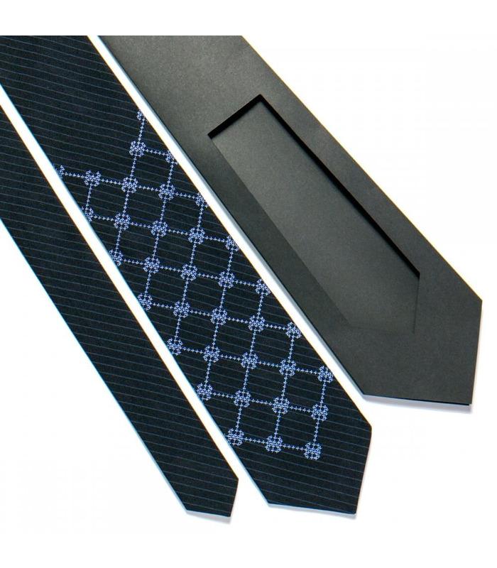 Галстук ᐉ Вышитый галстук темно-синего цвета 721, костюмная ткань ※ Украина