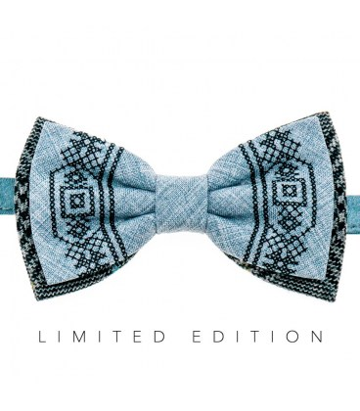 Мужская вышитая бабочка 945 Limited Edition из костюмной ткани ᐉ Светло-голубого цвета ※ Украина