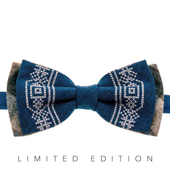 Мужская вышитая бабочка 946 Limited Edition из костюмной ткани ᐉ Темно-синего цвета ※ Украина