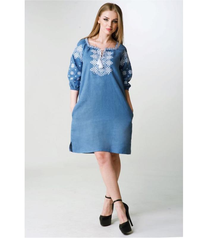 Вишита лляна сукня мод.018