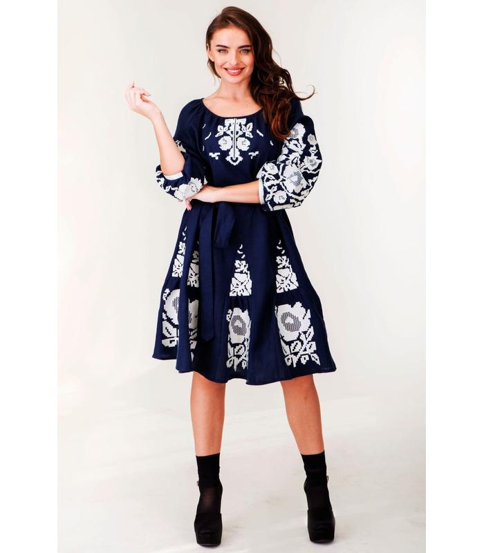 Вишита лляна сукня мод.0033