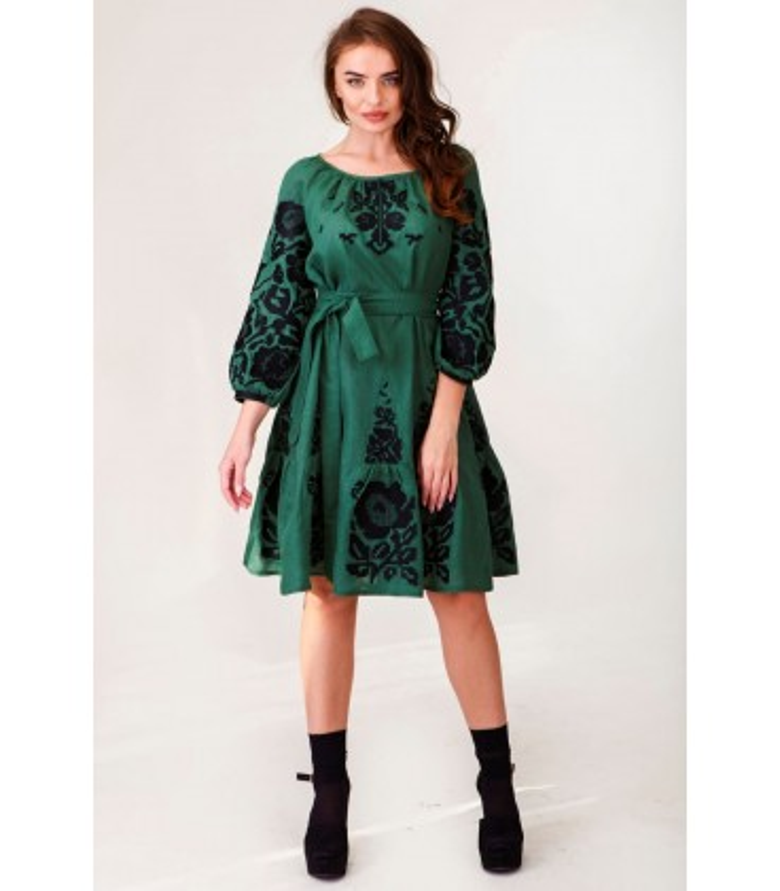 Вишита лляна сукня мод.0032